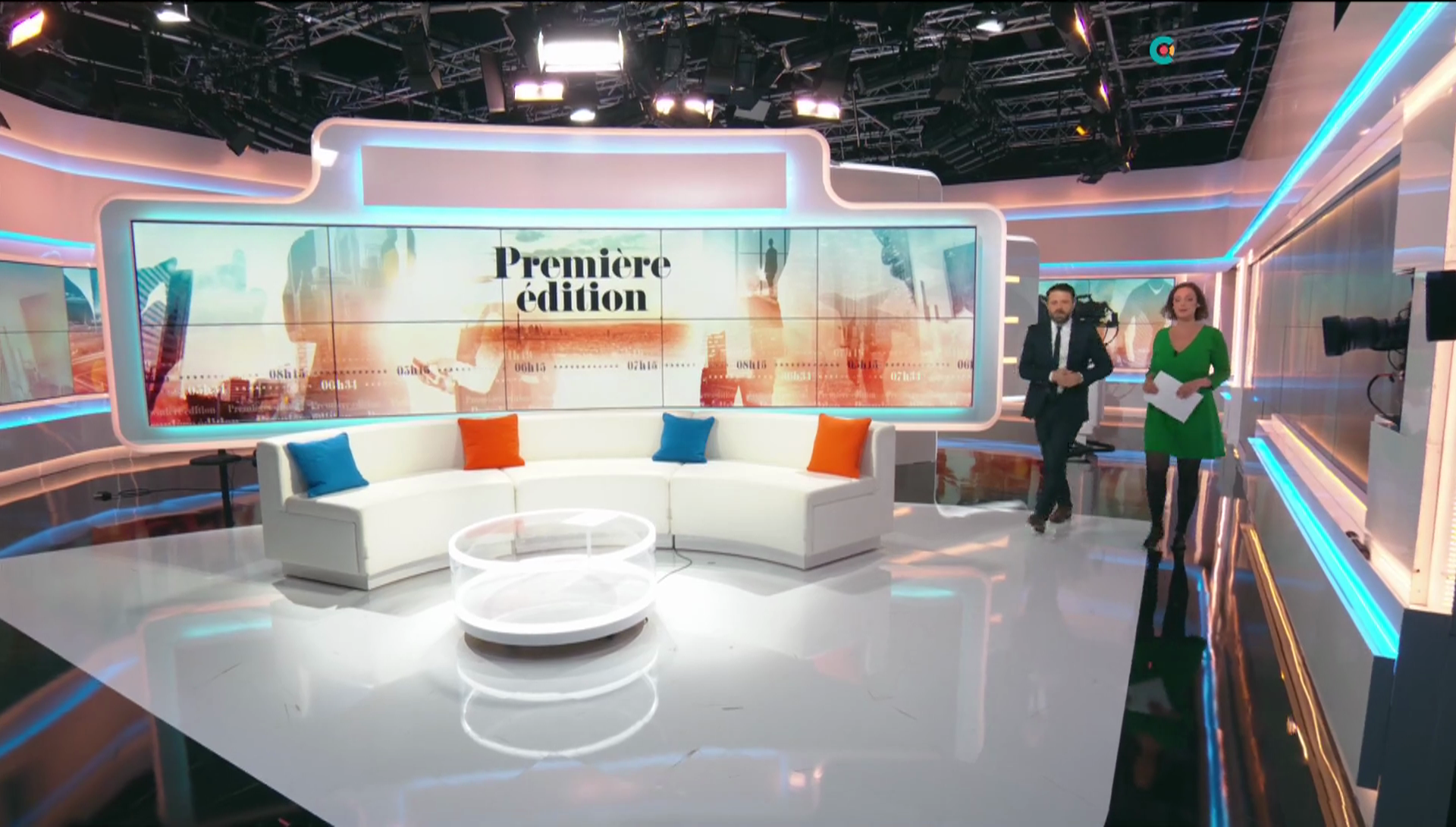 carolinedieudonne08.2019_06_17_journalpremiereeditionBFMTV