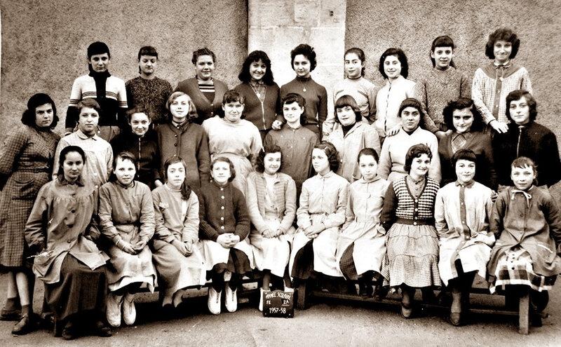 Filles La Souys fin d'études 1957 1958 sépia