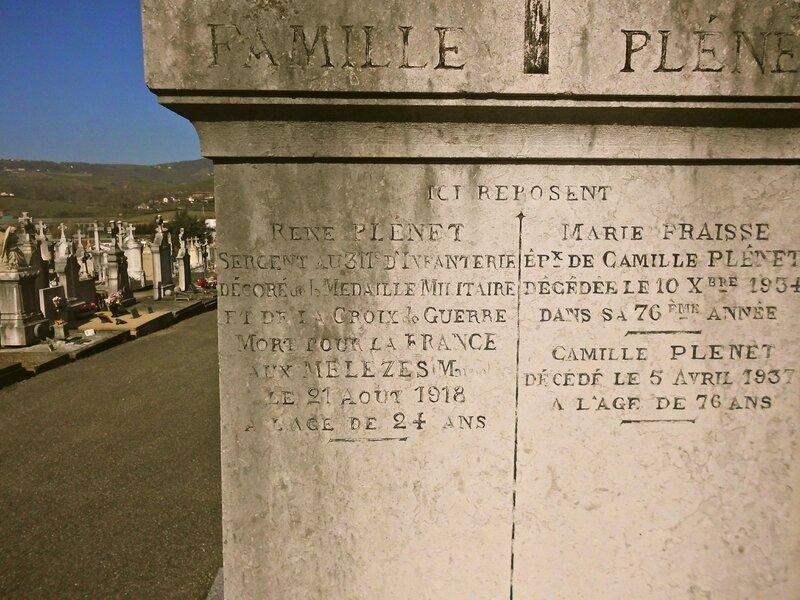 tombe Plénet nom gravé
