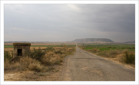 Aragon__Monegros_longue_route_201009_4