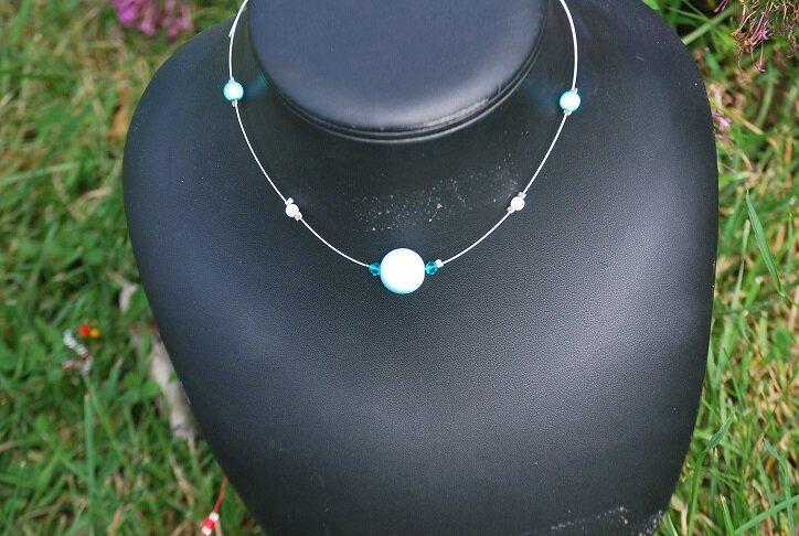 collier bleu proposition pour petite fille Lynda