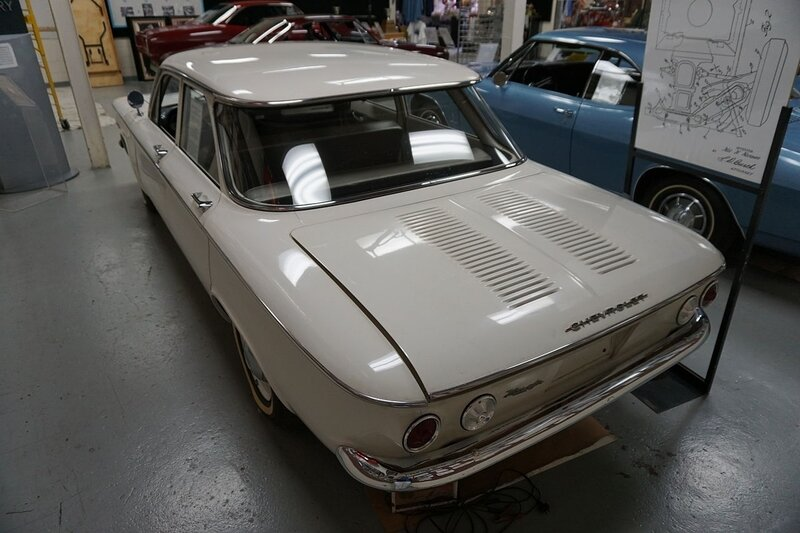 Ypsilanti_Automotive_Heritage_Museum_May_2015_043_(1960_Chevrolet_Corvair)