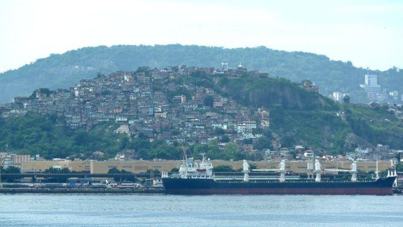 8 favela