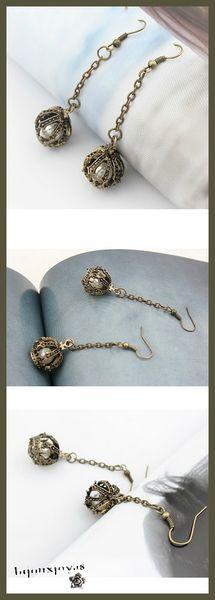 Boucles d'Oreilles Pendantes Couronne Perle Nacrée Métal Couleur Bronze