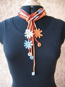 flowerscirclesnecklace