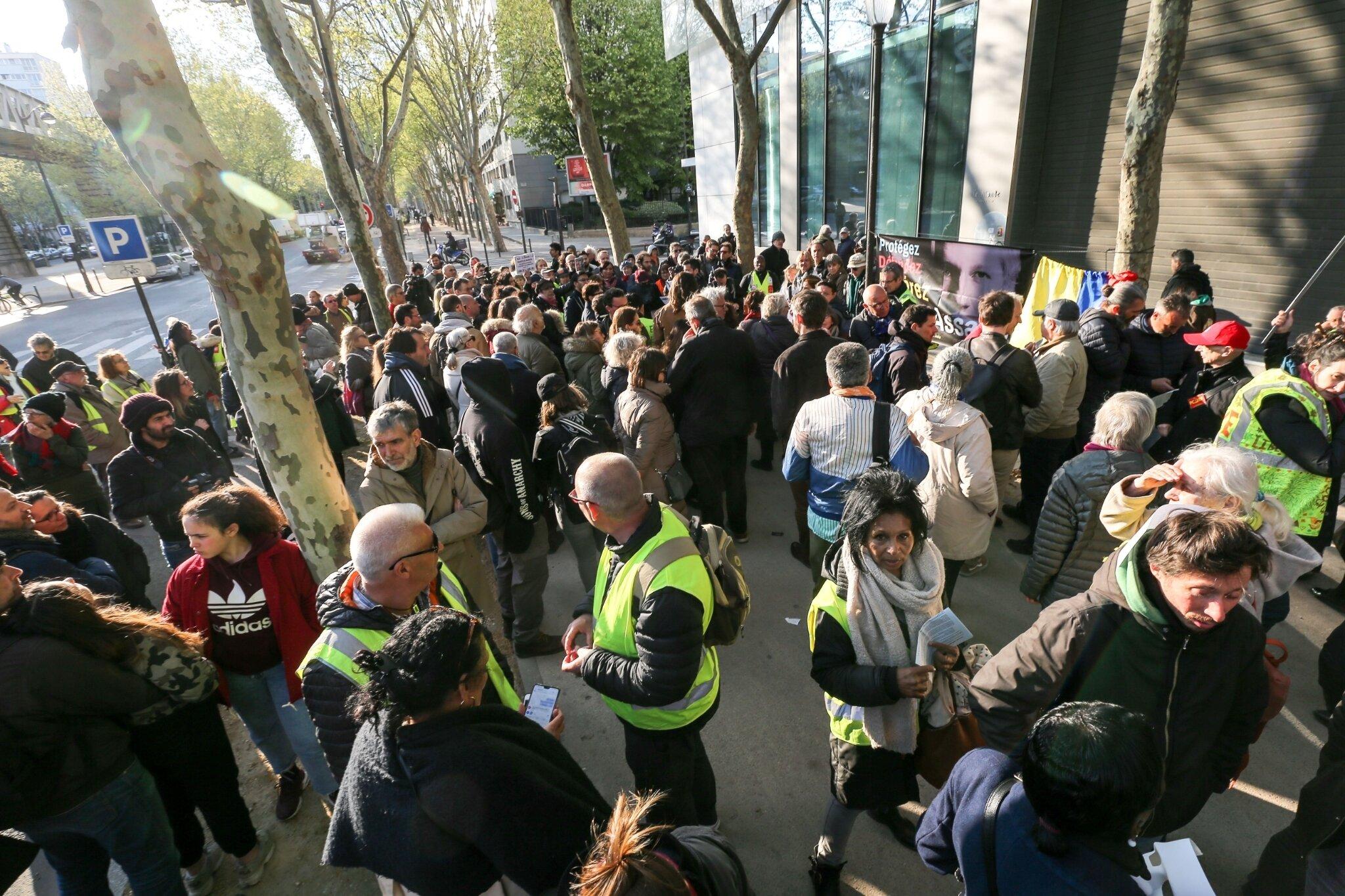 Rassemblement en soutien à Julian Assange. © Michel Stoupak. Sam 13.04.2019, 17h54m41.