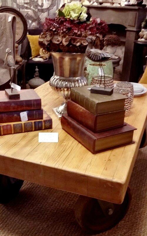table basse atelier de gathoune,medicis,oiseaux,