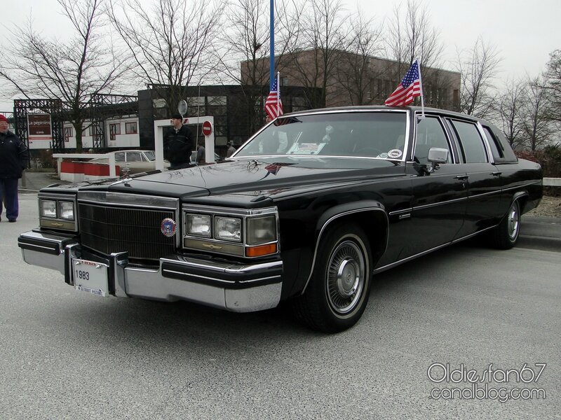 cadillac-fleetwood-limousine-1983-01