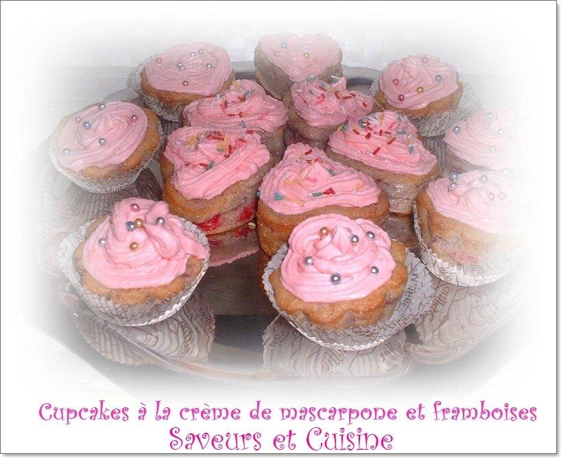 Cupcakes moelleux aux framboises et son topping de mascarpone, juste un délice!