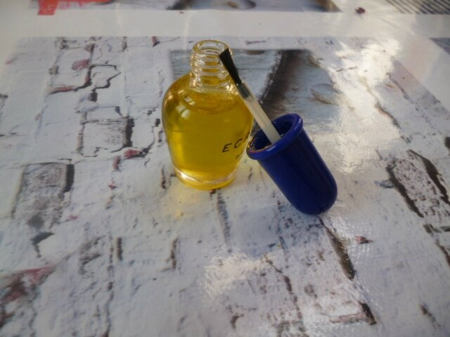 huile citron pour les ongles abimés