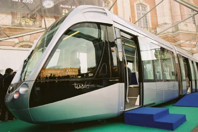 Toulouse_Citadis_tramway_model__scale_1__02