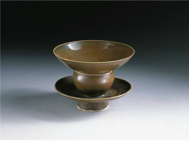 Tea bowl and bowl stand, Northern Song dynasty, 1000-1100