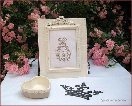 Cadre_noeud___broderie_taupe
