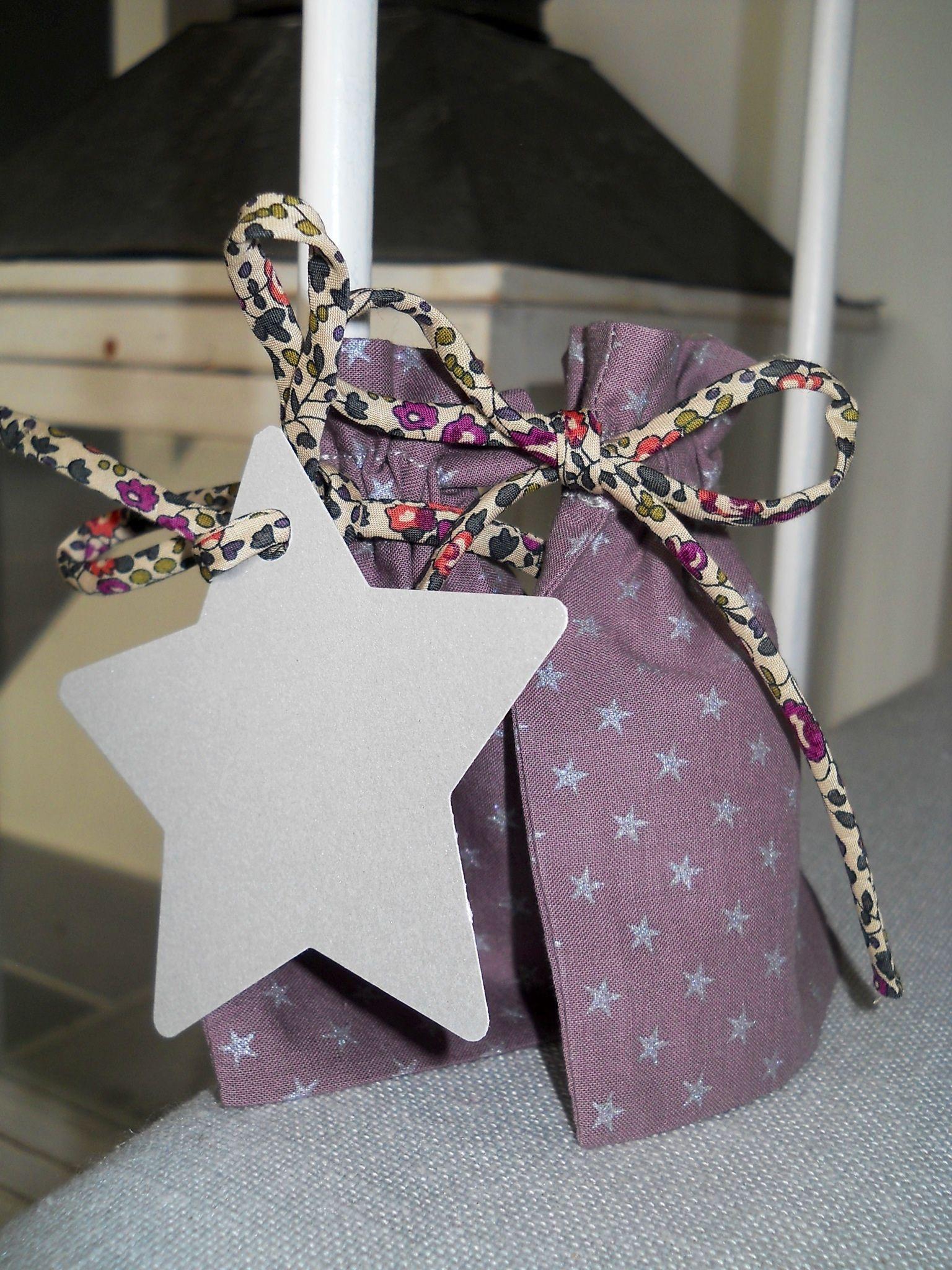 Pochon dragées figue étoiles argentées, cordon Liberty eloise prune, grande étoile argentée,