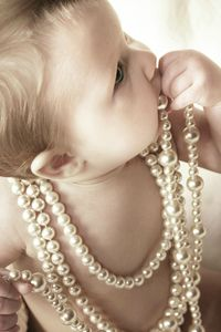 baby_and_pearls_by_Juliephotography