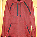 Pull à capuche henry rouge ...