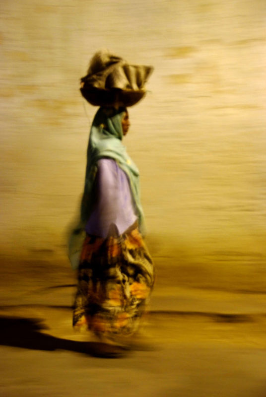 La nuit venue dans les ruelles d'Harar...