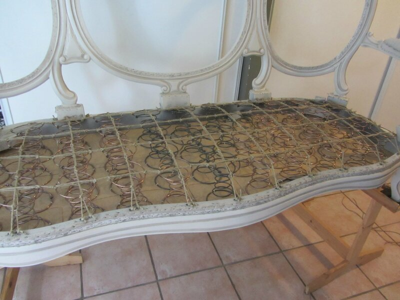 guindage d'un canapé tapissier à Plougastel Daoulas