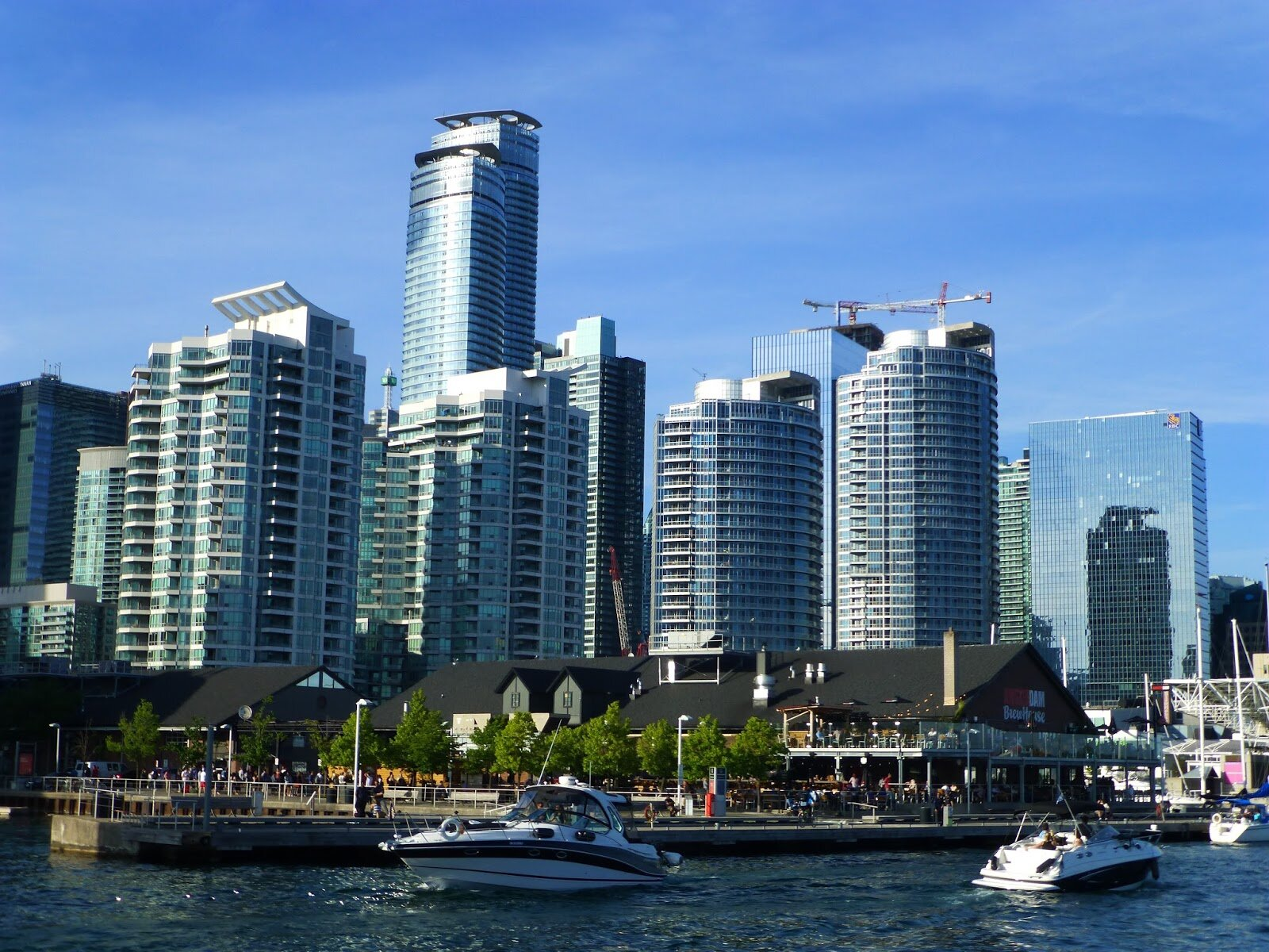 Toronto centre AG (300).JPG