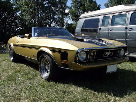 FORD Mustang Convertible 1973 Concentration de Vehicules Americains Ohnenheim 2011 1