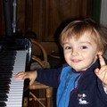 Fiston N°1,Emmanuel, un futur pianiste