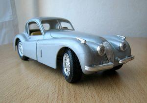 Jaguar XK 120 (1948) 01 -Burago- (1