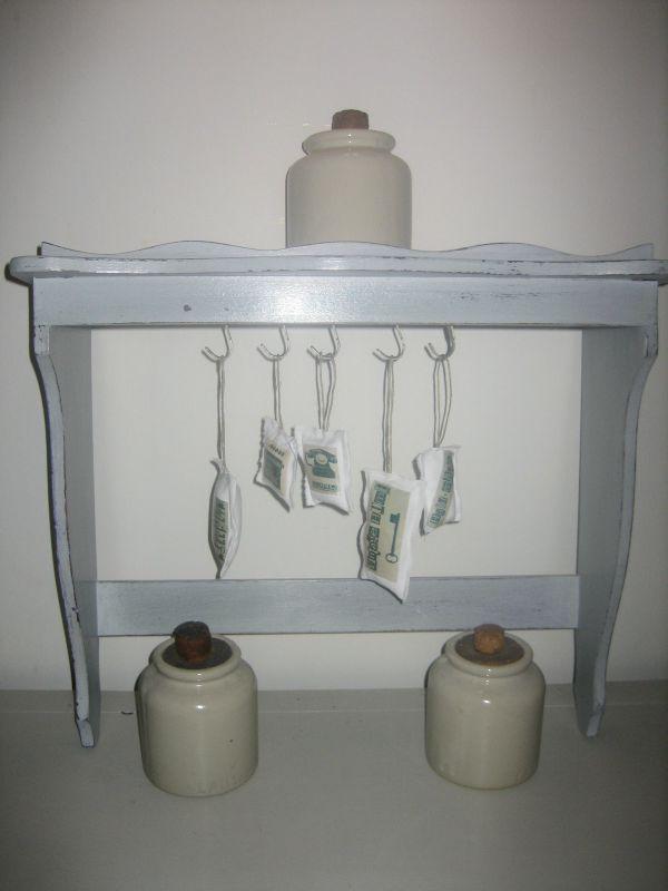 03 ancienne étagère à casserole transformée en jolie porte clés