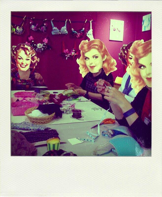 atelier pink bra bazaar salon pour l'amour du fil-pola