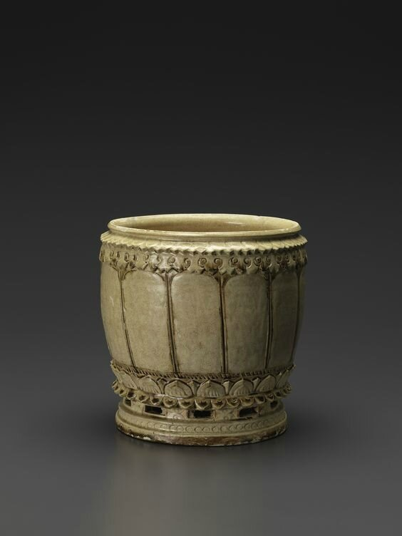 Vietnamese Ivory-Glazed Stoneware Jar, Lý dynasty, 12th-early 13th century A