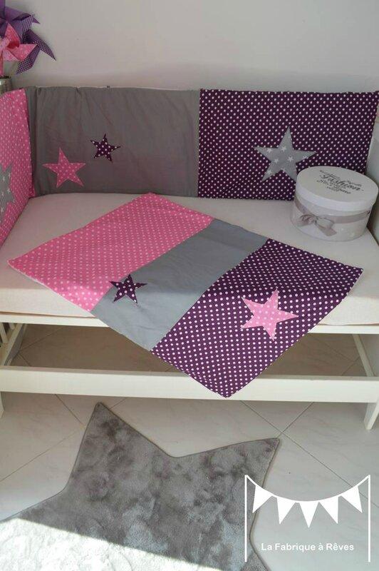 couverture polaire coton bébé fille blanc violet rose vif gris pois étoiles linge lit