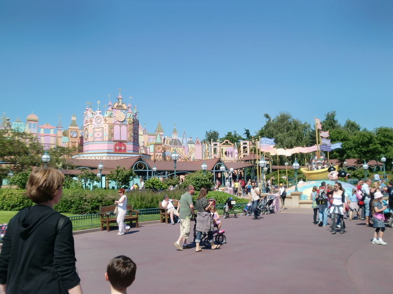 It's a Small World - extérieur