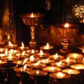 Dans un temple de Swayambhunath Stupa