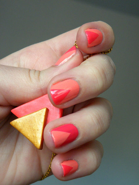 essie_peach_daiquiri___art_deco_collier_aztheque
