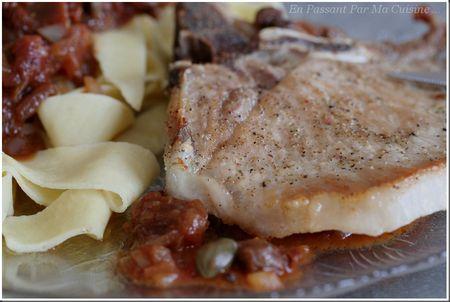 côte de porc sauce aux câpres tomates et balsamique