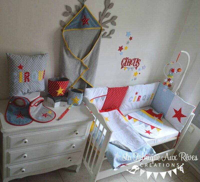 décoration textile linge lit bébé cirque étoiles éléphant rouge jaune bleu gris