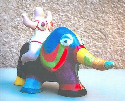 Sculpture_Nana_sur__l_phant