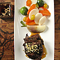 Plat-de-cotes de bœuf grillé à l'ail noir