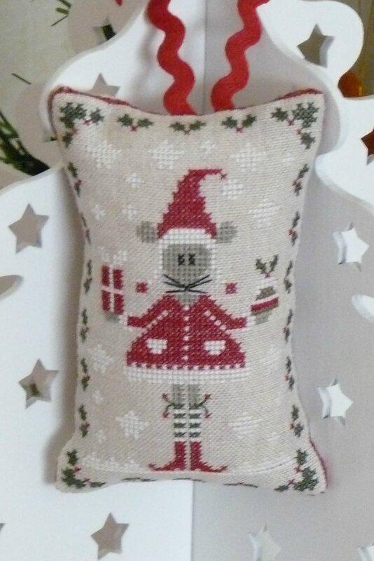 Christelle, calendrier de l'avent 2014 - jour - coussinet de Noël