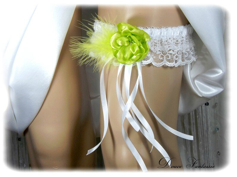 Jarretière de mariée dentelle blanc vert anis