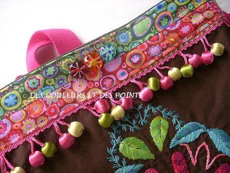 sac coloré détails boutons