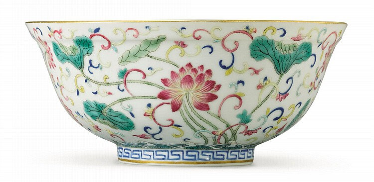 A famille-rose and underglaze blue 'lotus' bowl, Guangxu mark and period (1875-1908)