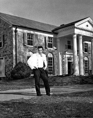 ElvisatGraceland1950s