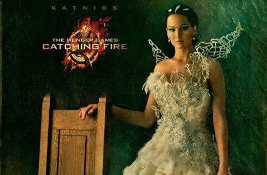 Katniss en robe de mariée pour la cérémonie