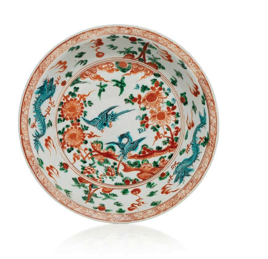 Grand plat en porcelaine de type 'Zhangzhou', Chine, dynastie Ming, XVIIème siècle