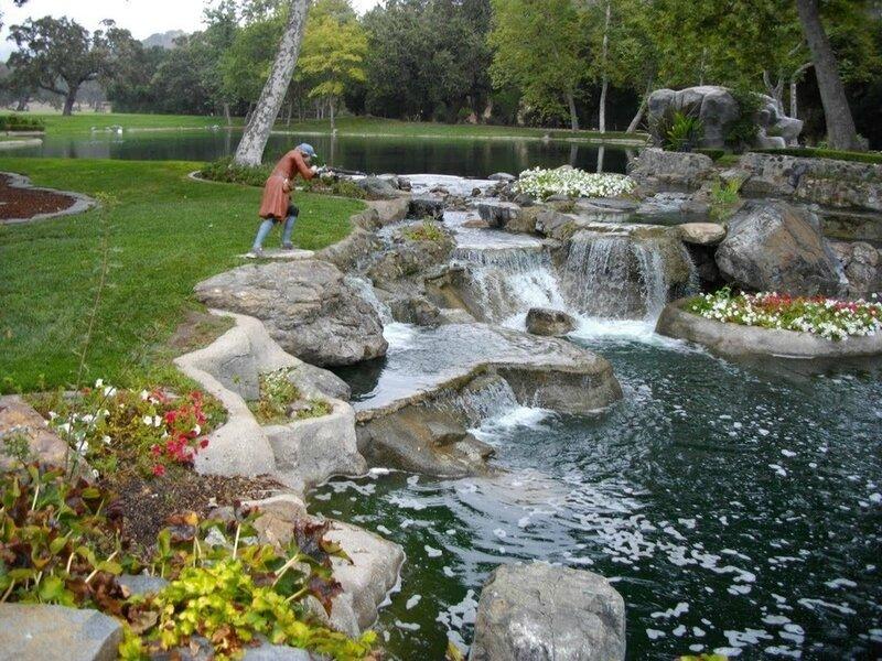 Neverland-Ranch-michael-jackson-in-neverlands-kingdom-26021632-912-684