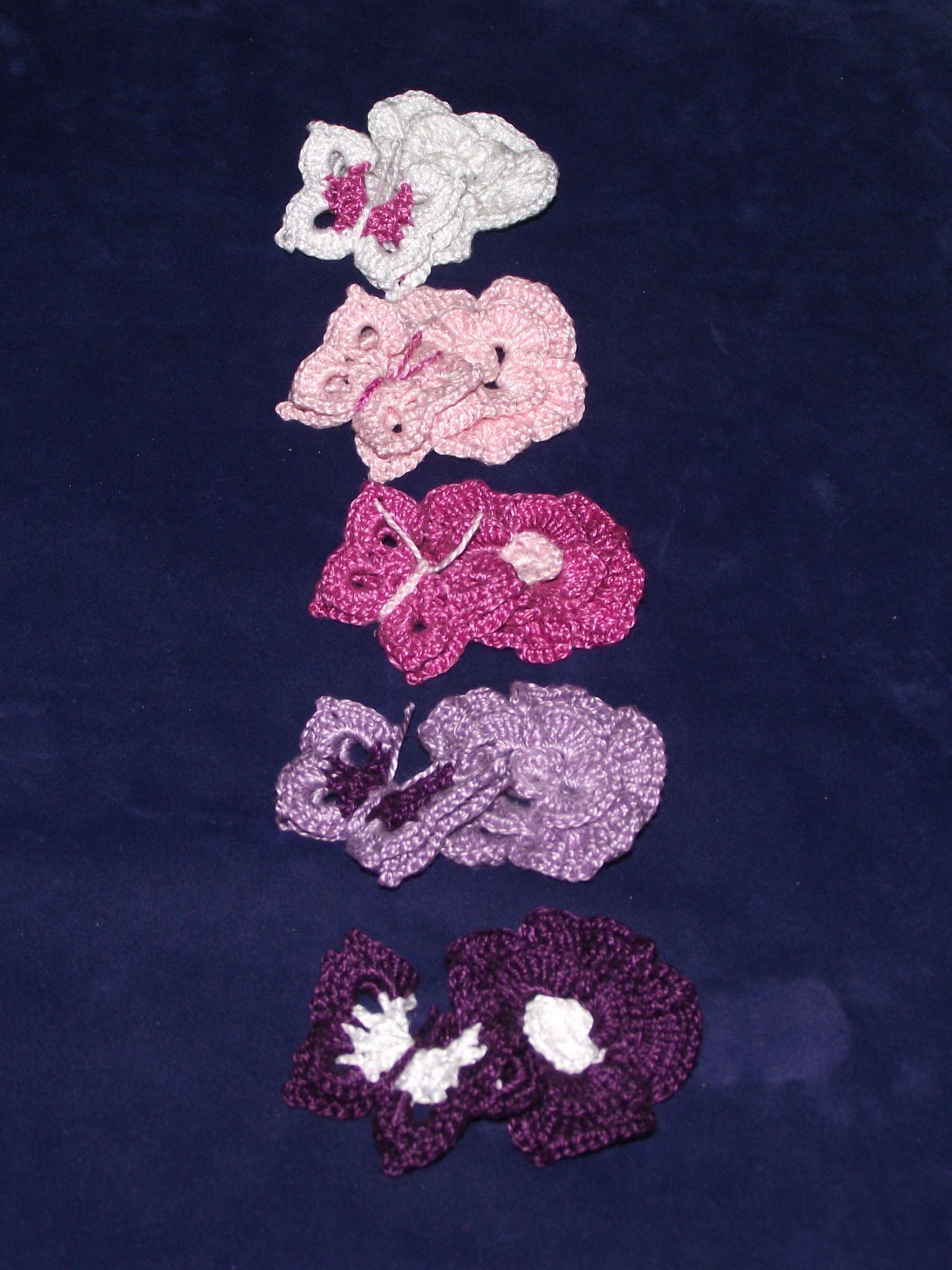 fleurs et papillons au crochet blanc rose violet 12