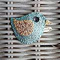 Barrette clic-clac, oiseau bleu et or en simili