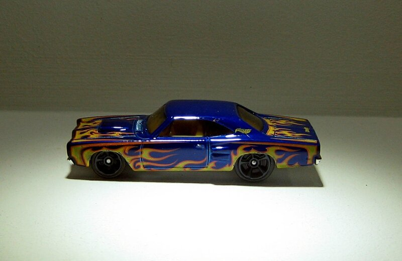 Dodge coronet super bee de 1969 (Hotwheels 2013)
