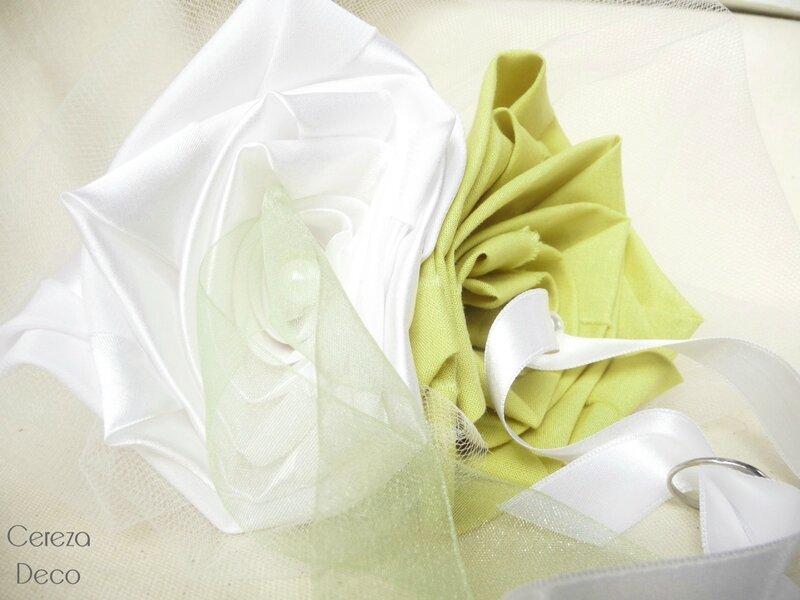 mariage champetre chic porte alliance fleur original blanc vert anis cereza deco 3