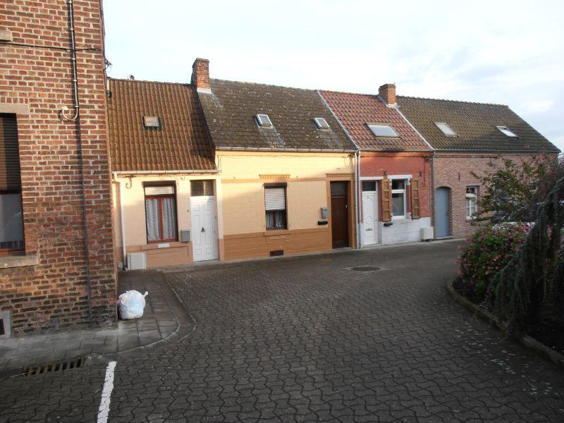 Rue de Maubeuge - petites maisons 2